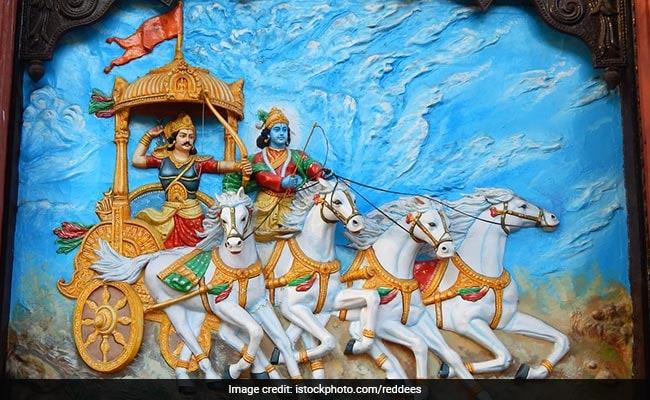 Teacher's Day 2018: जब कृष्ण ने गुरु की तरह अर्जुन को रणभूमि में दिया था उपदेश