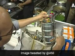 Pune Restaurant Delivers Food In Steel Lunch Boxes After Plastic Ban