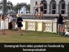 मस्जिद के अंदर महिलाओं ने किया डांस, 9 सेकेंड के वीडियो ने मचाया बवाल