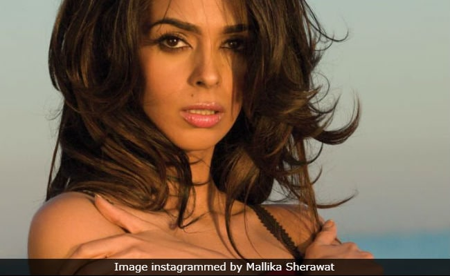 Bollywood Actor Mallika Sherawat to Promote Veganism