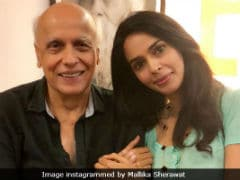 <i>Murder</i> On Bollywood Express: Mallika Sherawat Meets Pooja And Mahesh Bhatt