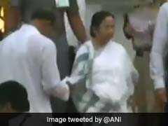 आखिर क्यों कर्नाटक के मुख्यमंत्री कुमारस्वामी के शपथ ग्रहण में नाराज दिखीं ममता बनर्जी, वीडियो कैमरे में कैद