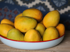 Do Mangoes Really Make You Put On Weight? No And Yes