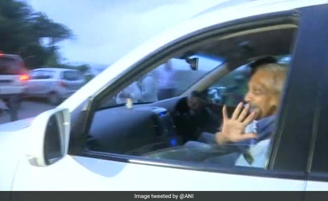 Goa Chief Minister Manohar Parrikar Returns Home After 3 Months In US For Treatment