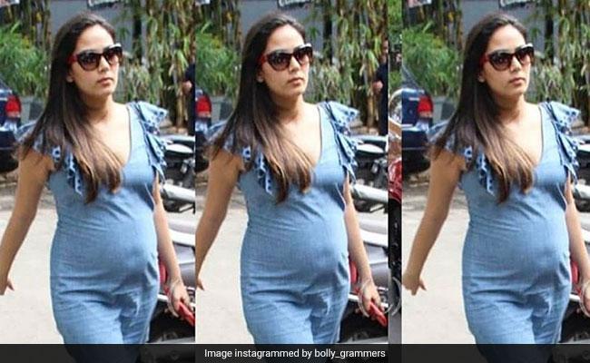 दोस्तों के साथ शाहिद कपूर की पत्नी ने एन्जॉय की पार्टी, डेनिम ड्रेस में नजर आया Baby Bump