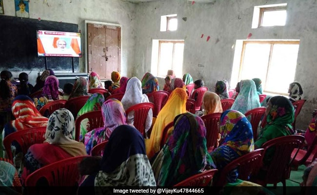 PM Modi's Idli, Dosa, Maggi Chat With Beneficiaries Of Cooking Gas Scheme