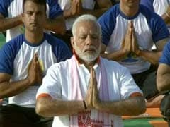 International Yoga Live: PM Modi Performs <i>Asanas</i> With Volunteers