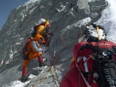 Melting Glaciers Are Exposing Bodies Of Dead Climbers On Mount Everest