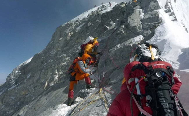 World's Highest Emergence Room Battles To Save Lives On Everest