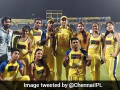 Dhoni, Raina Spend Time With Cheer Group As CSK Head To Playoffs