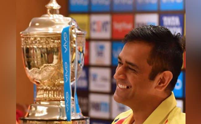 IPL 2018: सचिन तेंदुलकर की ही तरह अब क्रिकेट के भगवान होते जा रहे महेंद्र सिंह धोनी....