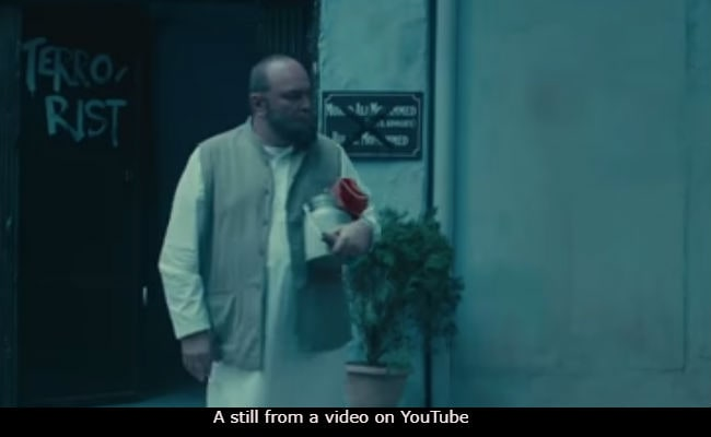 Mulk Trailer: Rishi Kapoor And Taapsee Pannu's Gritty Courtroom Drama Is Something To Watch Out For