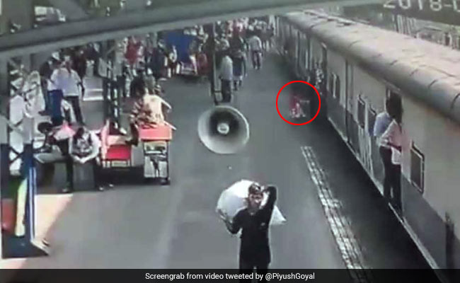 Video: Jawan Saves Girl From Slipping Under Train In Mumbai, Praise From Minister Piyush Goyal