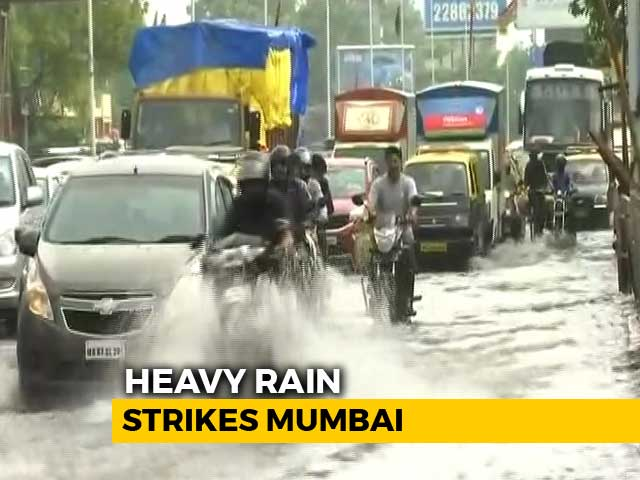 Video : Monsoon Hits Mumbai, Heavy Rain Disrupts Flights, Trains