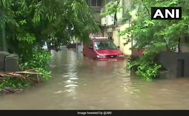 Dead After Rain Hit Mumbai; Traffic, Trains Delayed In Many Areas