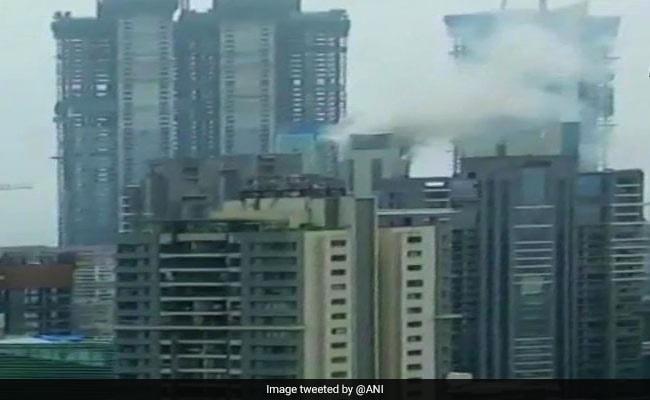 मुंबई में बहुमंजिला इमारत में लगी आग चार घंटे में बुझी, बिल्डिंग में दीपिका पादुकोण का घर भी
