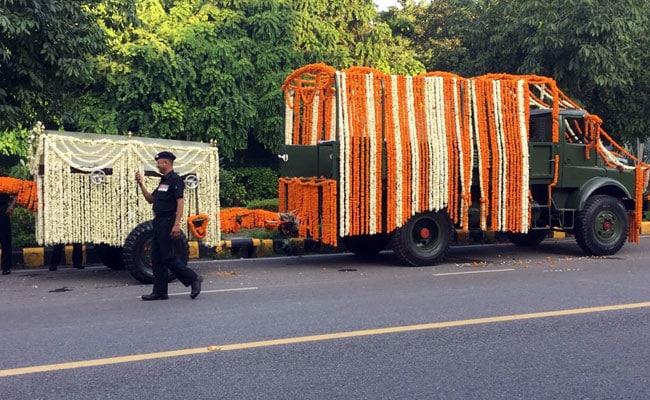 इस गाड़ी पर निकलेगी अटल बिहारी वाजपेयी की अंतिम यात्रा, देखें PHOTOS