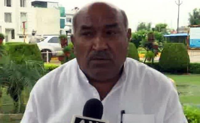 बीजेपी सांसद के बिगड़े बोल, कहा- बलात्कार-हत्या जैसे अपराधों के लिए मुस्लिमों की बढ़ती आबादी जिम्मेदार