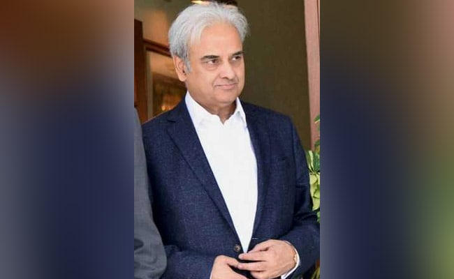 Former Chief Justice Nasirul Mulk Named Pakistan's Caretaker PM