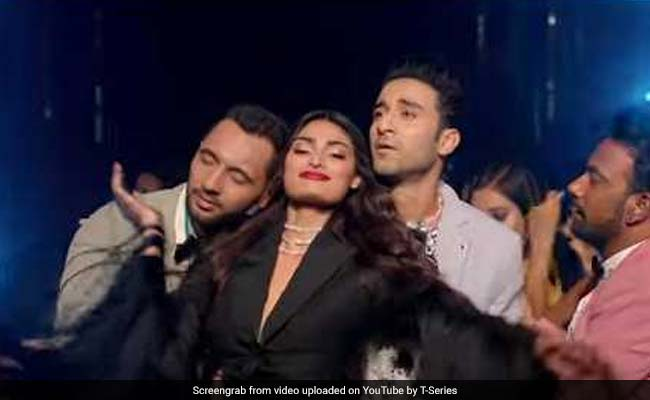 Nawabzaade: Athiya Shetty Grooves To The Tunes Of Badshah's Tere Naal Nachna