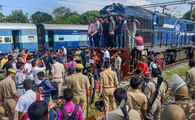 Amid Bharat Bandh Call 6 Policemen Injured Train Stopped In Up