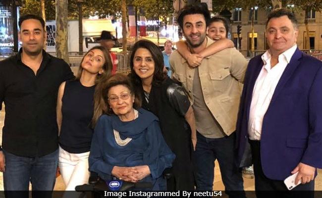 Inside Neetu Kapoor's Birthday In Paris. How Cute Are Ranbir And Samara?
