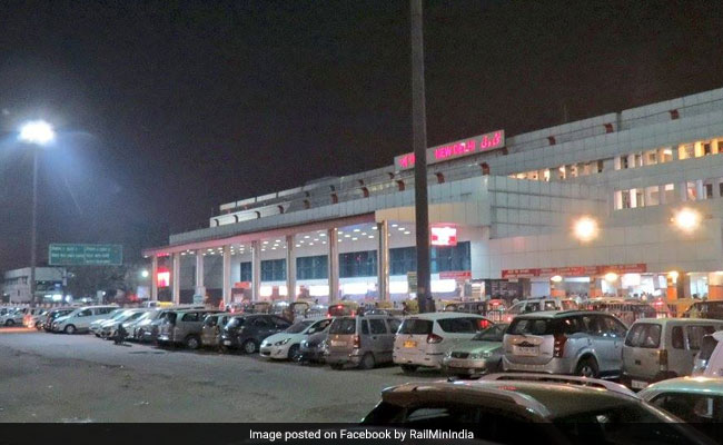 Railways Plan To Decongest New Delhi Station, Connect Two Metro Lines