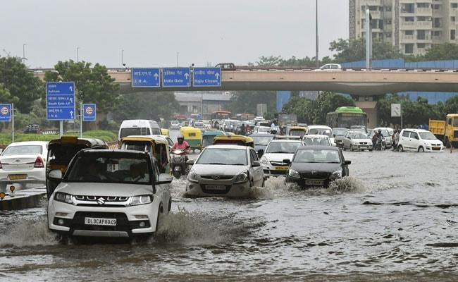 Heavy Rain In Delhi, Suburbs Brings Traffic To Halt