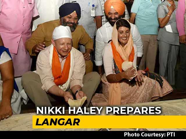Video : On Delhi Gurudwara Visit, Nikki Haley Made <i>Roti</i> For <i>Langar</i>