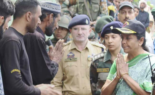 सैनिकों को सभी बकाये और सारी सुविधाएं देने में कोई कमी नहीं रहेगी: रक्षा मंत्री