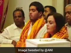 Nita Ambani Presents Akash Ambani, Shloka Mehta's Engagement Invite At Siddhivinayak Temple