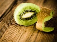 Kiwi For Immunity: नेचुरल तरीके से इम्युनिटी बढ़ा सकता का कीवी, और भी हैं कई फायदे, जानें किन 2 लोगों को नहीं खाना चाहिए कीवी!