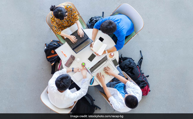 Karnataka Colleges To Reopen On November 17, Online Classes Optional