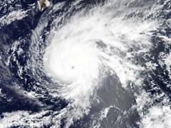 Hurricane Lane Lashes Hawaii With Heavy Rain, Winds