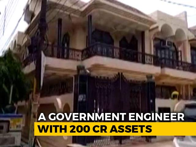 Video : Noida Engineer Has Luxury Cars, Assets Worth Crores, I-T Raids Reveal