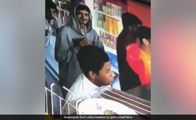 Mumbai Police Post LOL Video Of Thief Returning Stolen Wallet
