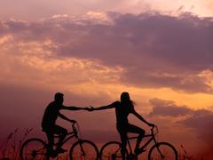 Relationship Tips: किसी भी रिश्ते को मजबूत बनाएंगे ये टिप्स