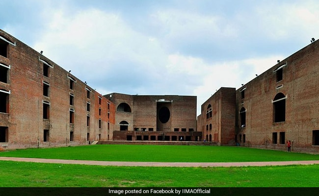 IIM Ahmedabad's One Year MBA Programme Students Get 114 Offers