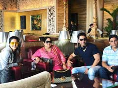 Hina Khan Holidays With Family In London, Misses Boyfriend Rocky Jaiswal