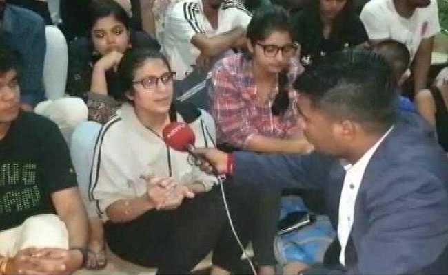 हिदायतुल्लाह नेशनल यूनिवर्सिटी के छात्र आंदोलन पर, शिक्षकों पर गंभीर आरोप