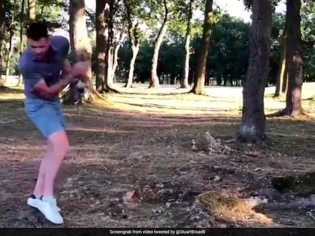 India vs England: Cricketer James Anderson hit himself with a golf ball