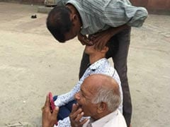 Old Delhi's Street Dentists: Reluctant Practitioners Of A Dying Tradition