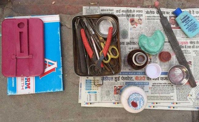 old delhi street dentists 650 3
