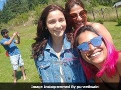 Spot Ranbir In Alia's Pic With 'The Girls.' No Brownie Points, This Is Easy