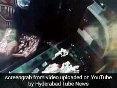 VIDEO: पति के घर से जाते ही ये काम करने निकल पड़ती थी बीवी, पकड़ी गई रंगे हाथों