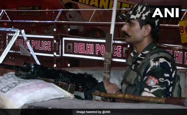 स्वतंत्रता दिवस के मद्देनजर राजधानी दिल्ली में चाक-चौबंद हुई सुरक्षा व्यवस्था, चप्पे-चप्पे पर सुरक्षाकर्मी तैनात