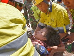 Number Of Dead From Indonesian Quake Tops 400, More Bodies Recovered
