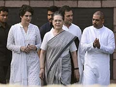 Court Asks Centre's Reply On Plea For FIR Against Gandhis For Hate Speech