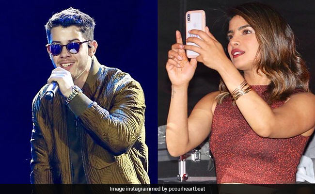 Priyanka Chopra Pulls A 'You're Doing Amazing Sweetie' At Nick Jonas' Concert!