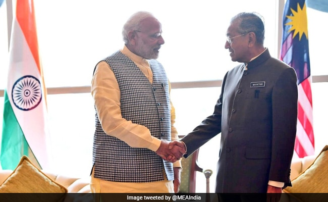 PM Modi Meets Newly Elected Malaysian Prime Minister Mahathir Mohammad